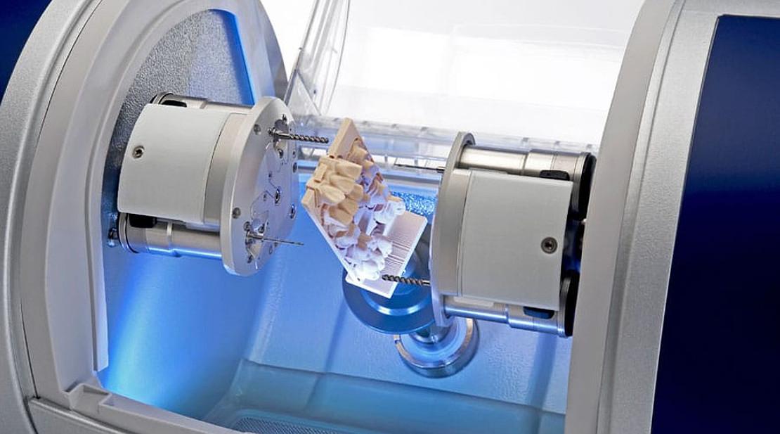 изготовление цифровой пломбы зубов в стоматологии Багита