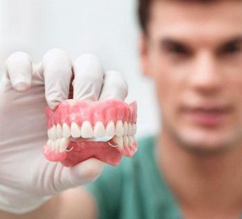 протезирование зубов в Черкассах в стоматологической клинике Багита
